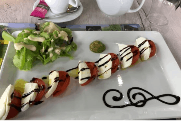 Mott Tomato Salad