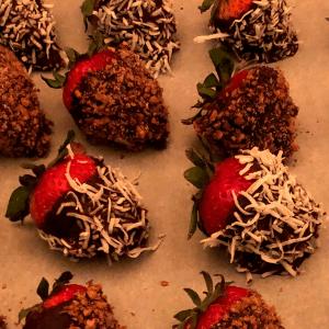 Low Carb Chocolate Covered Strawberries Recipe Keto gluten free dessert