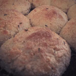 Easy Keto Dinner Rolls ~ Garlic & Parmesan low carb gluten free