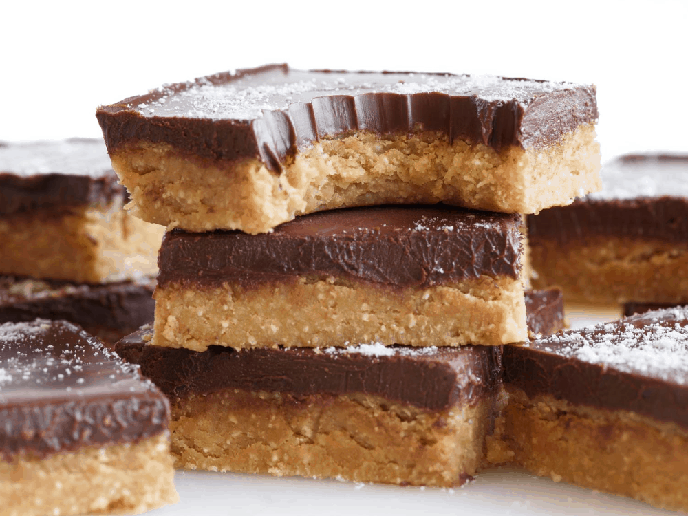 Chocolate Keto Peanut Butter cup Bars Post (1)