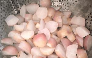 Straining radishes