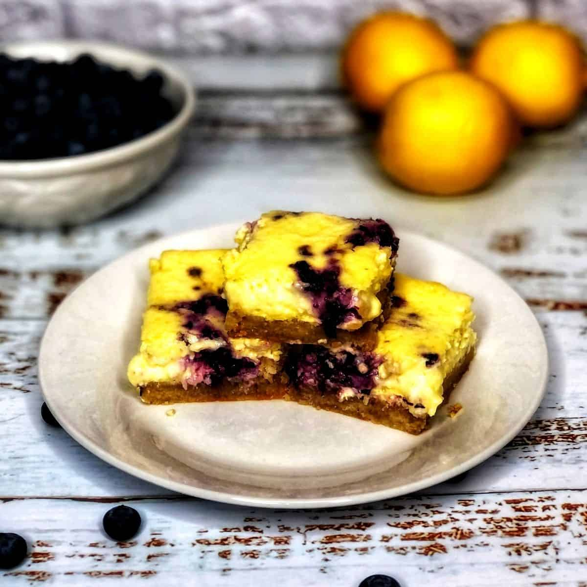 Low Carb Blueberry lemon Bars FI