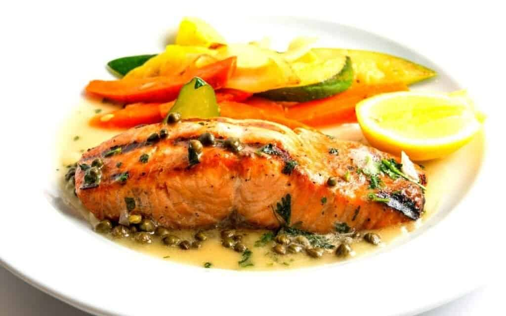 Served Low Carb Salmon Piccata Post (5)