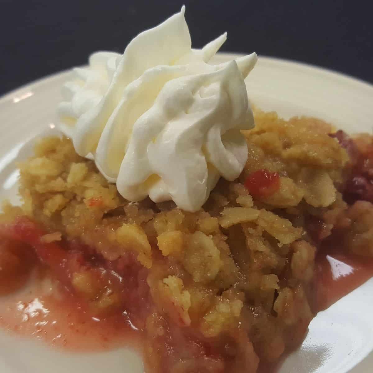 Keto Strawberry Rhubarb Crisp FI